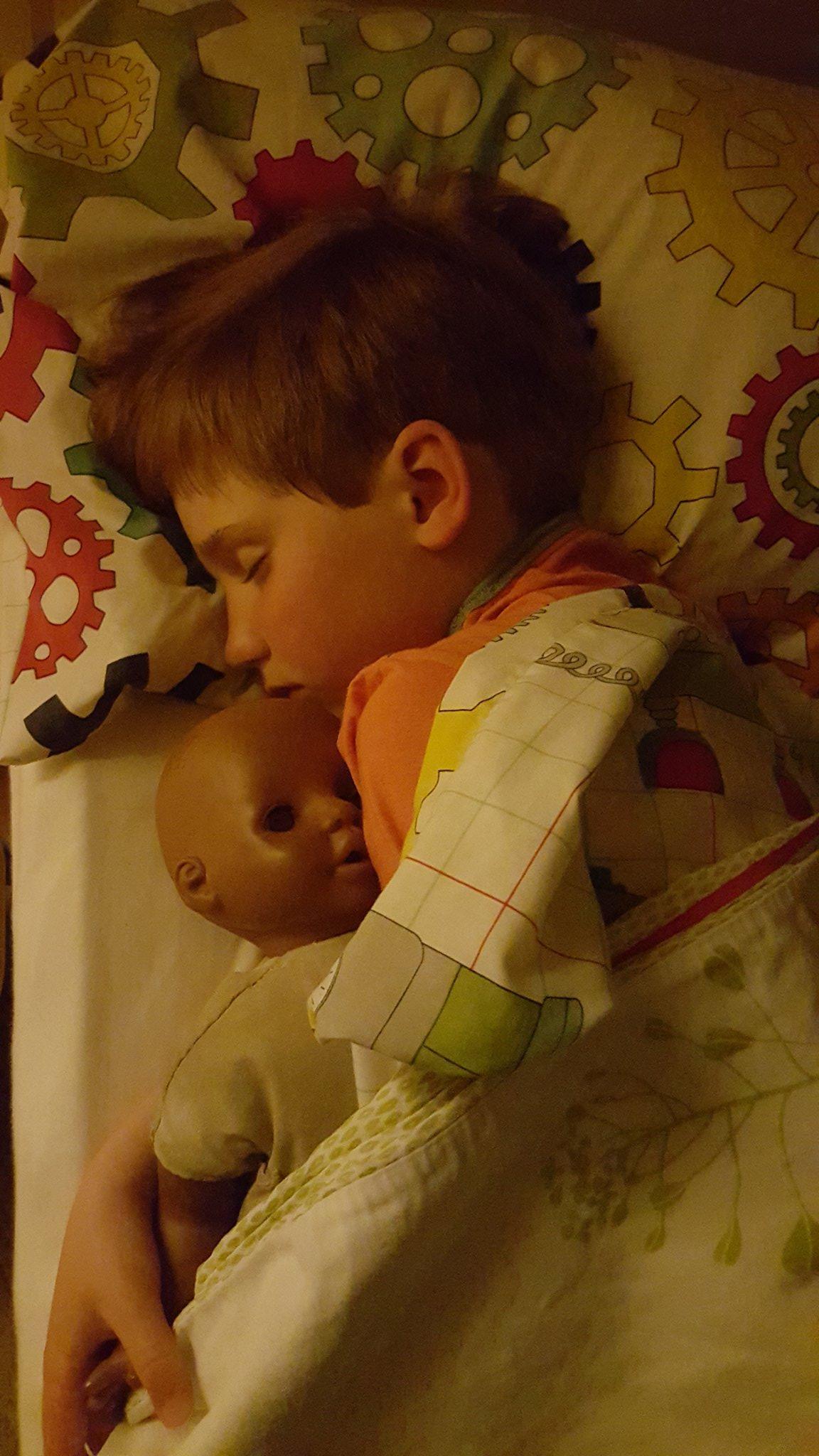 @LetToysBeToys @PigtailPals @ElizabethVSweet @Play_Unlimited @ToyNewsOnline my boy (7) & Dolly. https://t.co/oWdwzMUnDW