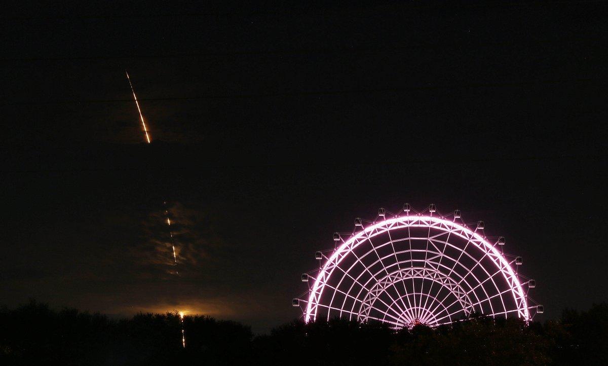 The launch of a @SpaceX #Falcon9 rocket and @theorlandoeye illuminate the night sky early Monday. #NASASocial @NASA https://t.co/HkZOHKaCuM