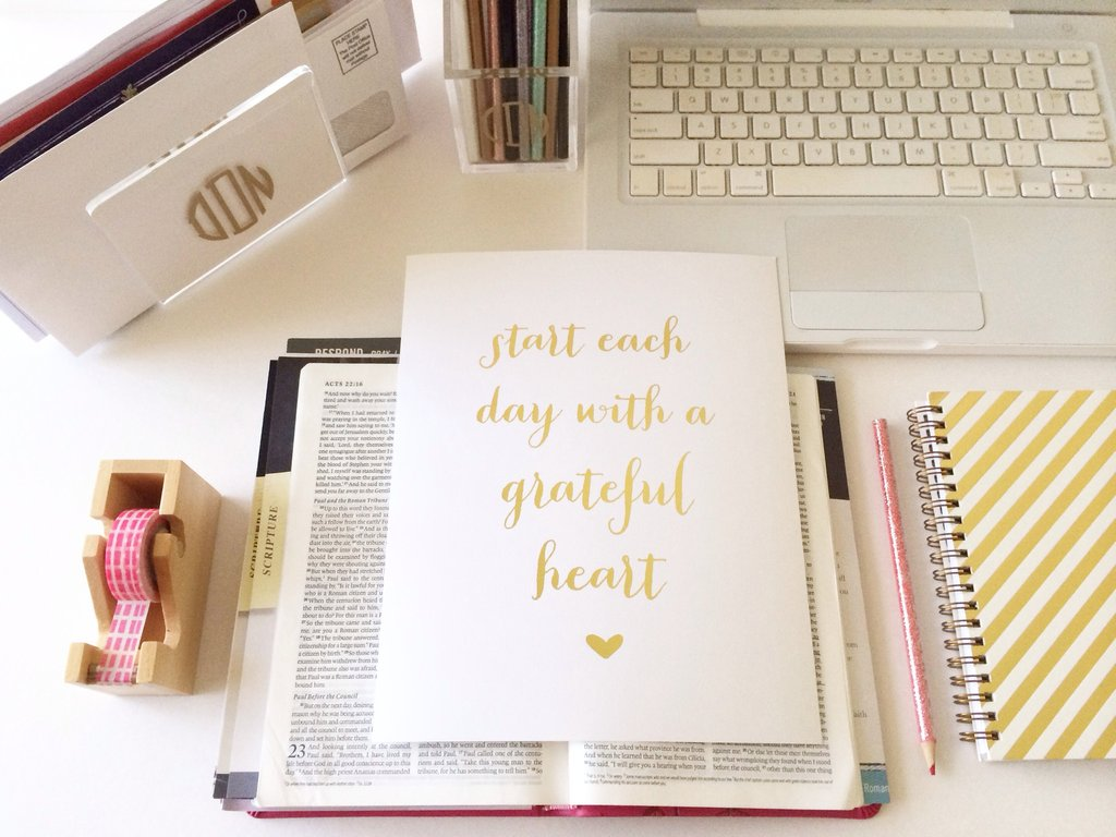 Good morning, people! Jangan lupa bersyukur ya, karena hari yg baik selalu dimulai dengan semangat bersyukur. :D