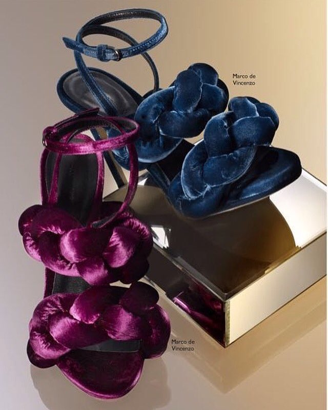 💜💙 My #shoes on @NETAPORTER #marcodevincenzo https://t.co/p0OzQSiTcp