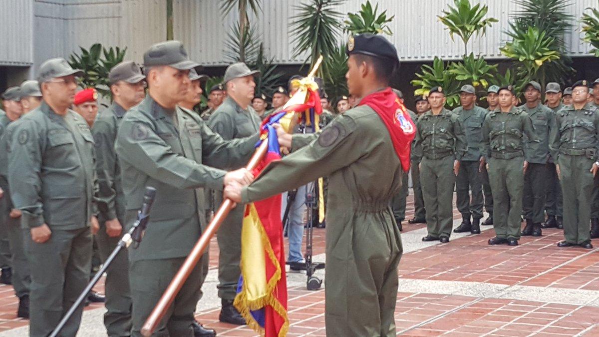 Delegacion de la FANB, es abanderada para representar a Venezuela en los Juegos Internacionales Militares en Rusia. https://t.co/QOVNh3U9l0