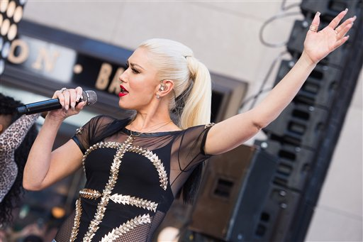 Gwen Stefani on with @DezKS95!! Check out the interview: https://t.co/uxR5260XBb @XcelEnergyCtr https://t.co/JWugiyUBf5
