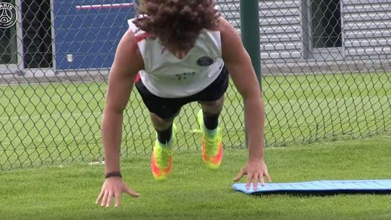 David Luiz vem cheio de pica! https://t.co/uMuKF6FMGa