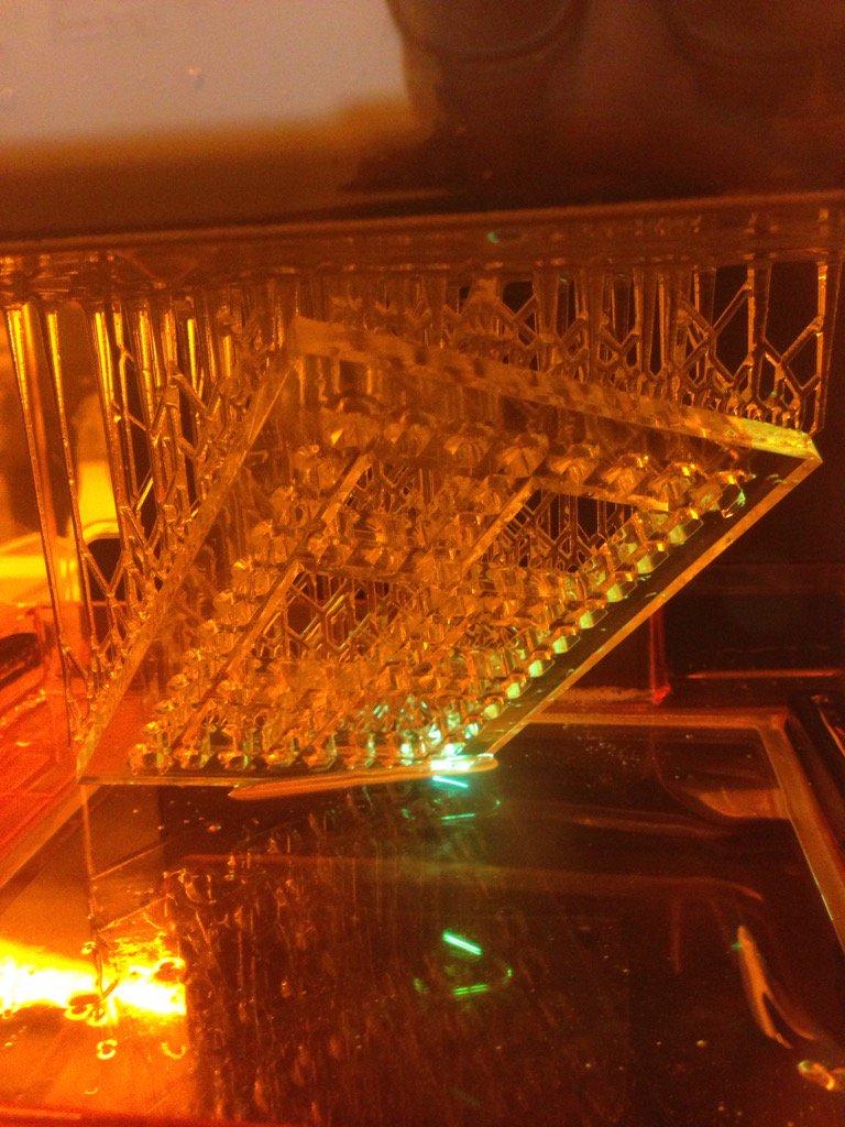 3D printing @formlabs base plate mold to image 96 zebrafish embryos @MBLScience #embryo2016 https://t.co/tR9GEJ0KaE