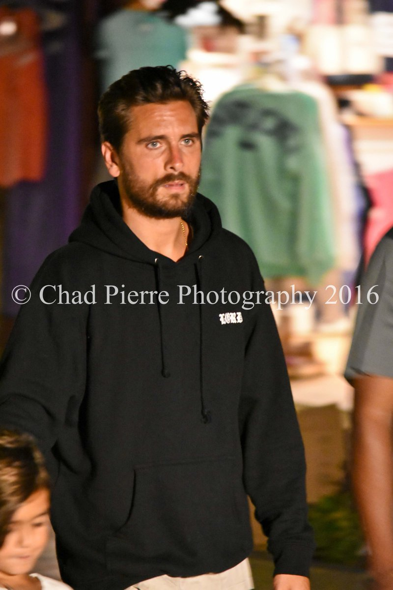 #HappeningNow  @ScottDisick Gracing us on #ACK #Nantucket  #ChadPierrePhotography - Welcome to ACK Scott! pic.twitter.com/rhH6guh3Ba