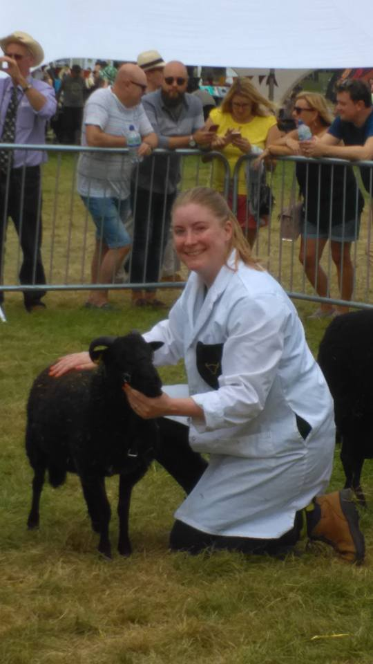 Plsd to report that while volunteering w/ @vauxhallfarm I helped this sheep win 2nd place @lblcountryshow #1fortheCV https://t.co/Df3YTMJ3cZ