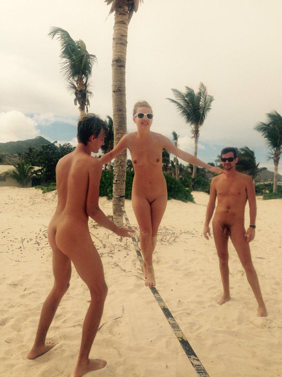Find friends naked