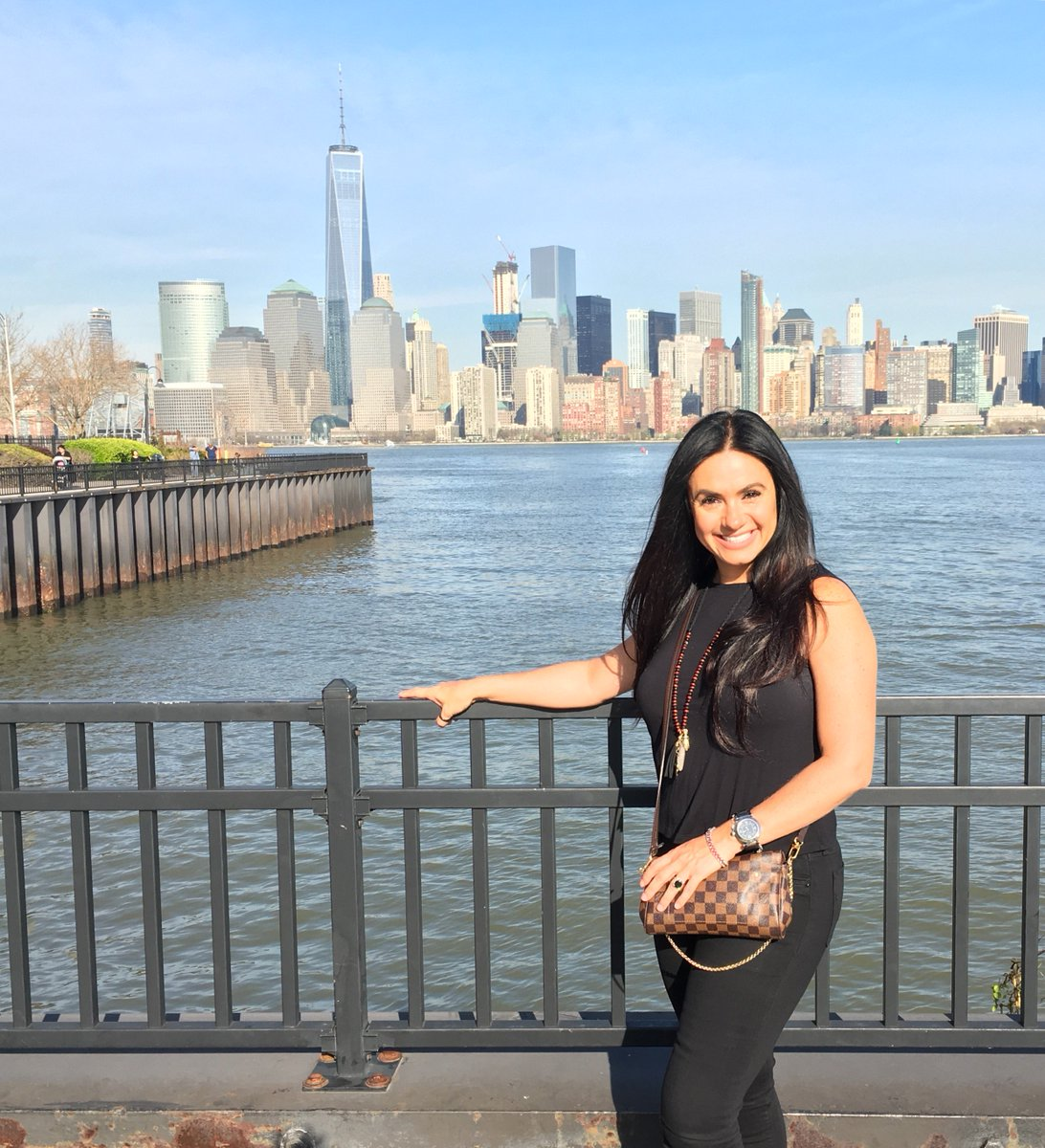 Penelope menchaca on twitter new york httpstovaam7kvgb voltagebd Image collections