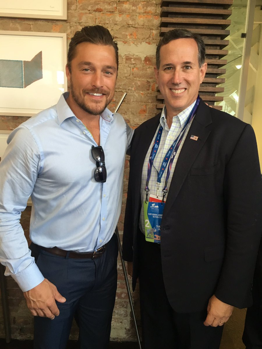 .@RickSantorum and @souleschris discussing the importance of #Ethanol with #Iowa delegates at the #RNC #RFSWorks https://t.co/y3ehsO1z03