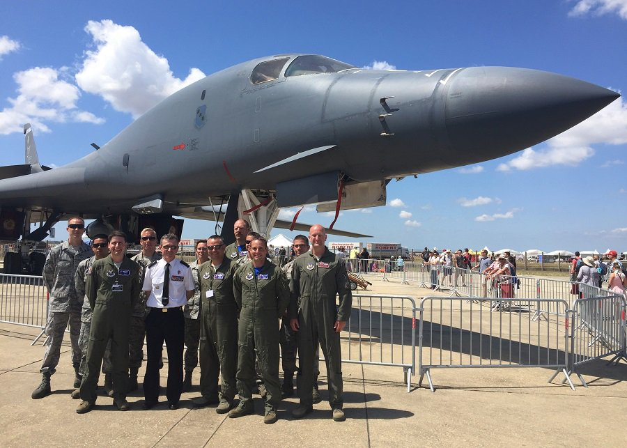 U s air force on twitter b 1 aircrew maintainers for Air france assistance chaise roulante