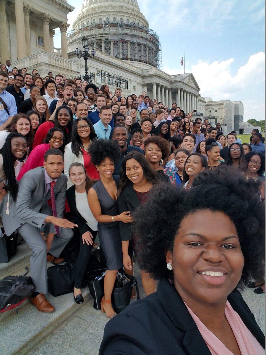 My intern Audra Jackson led Democratic Interns in their own selfie 2day showing #DemInternDiversity #DemInternSelfie https://t.co/83UcIOKS5s