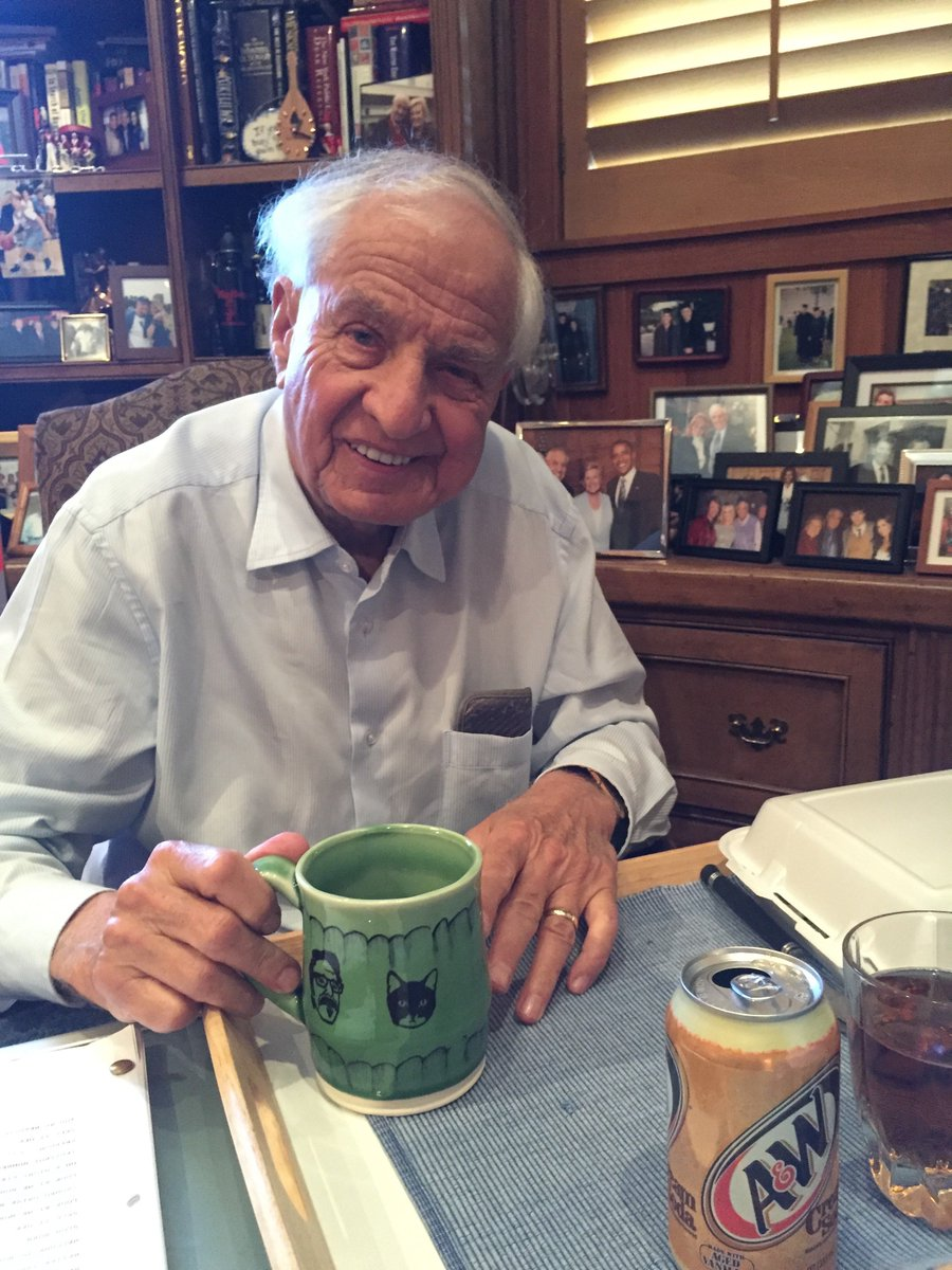 Garry Marshall. A class act. Sent us this photo right after his interview. Using his new WTF mug. He'll be missed. https://t.co/ttFoHXvlXr