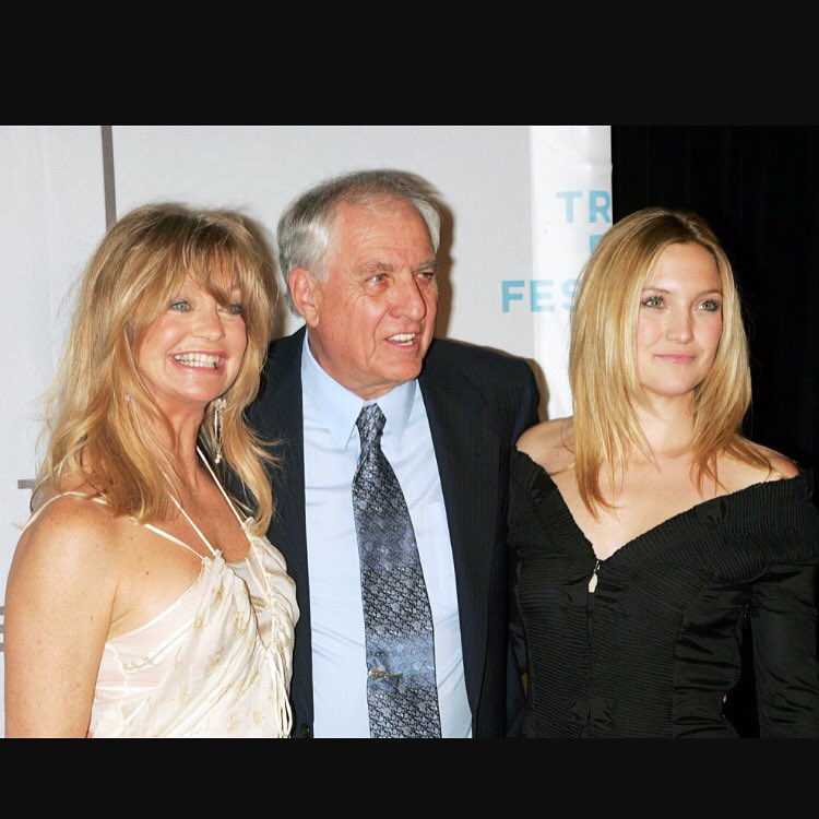 Our beloved Garry Marshall has passed. Our family will miss him so very much. RIP dear one. https://t.co/F7y3RkLn1Z