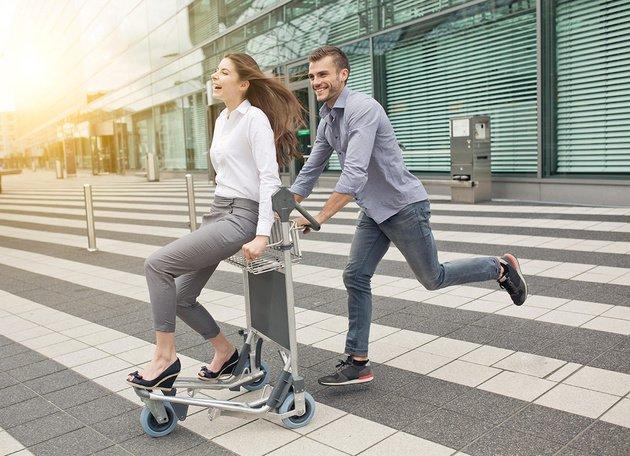 Amsterdam, Madrid e Roma nella TOP 10 degli aeroporti in cui è più facile trovare l'amore