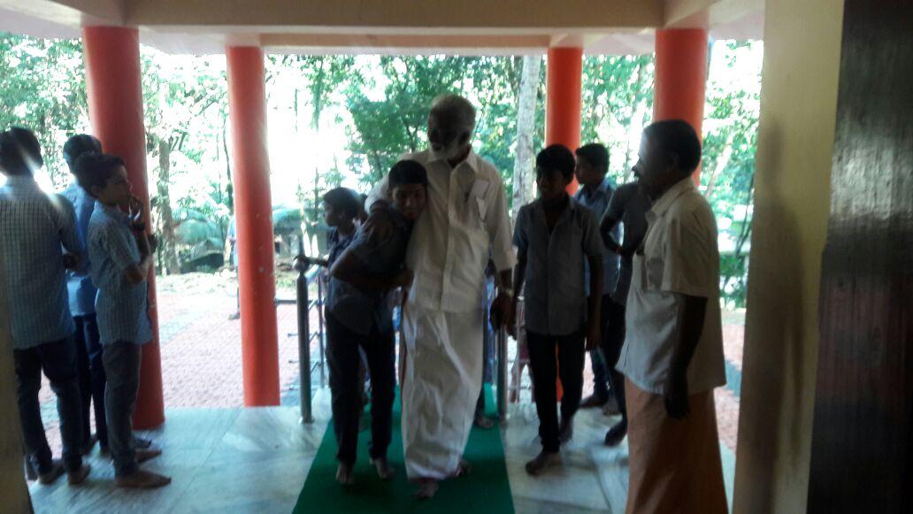 Rahul Easwar On Twitter Kummanam Ji Is A Good Role Model For Socio