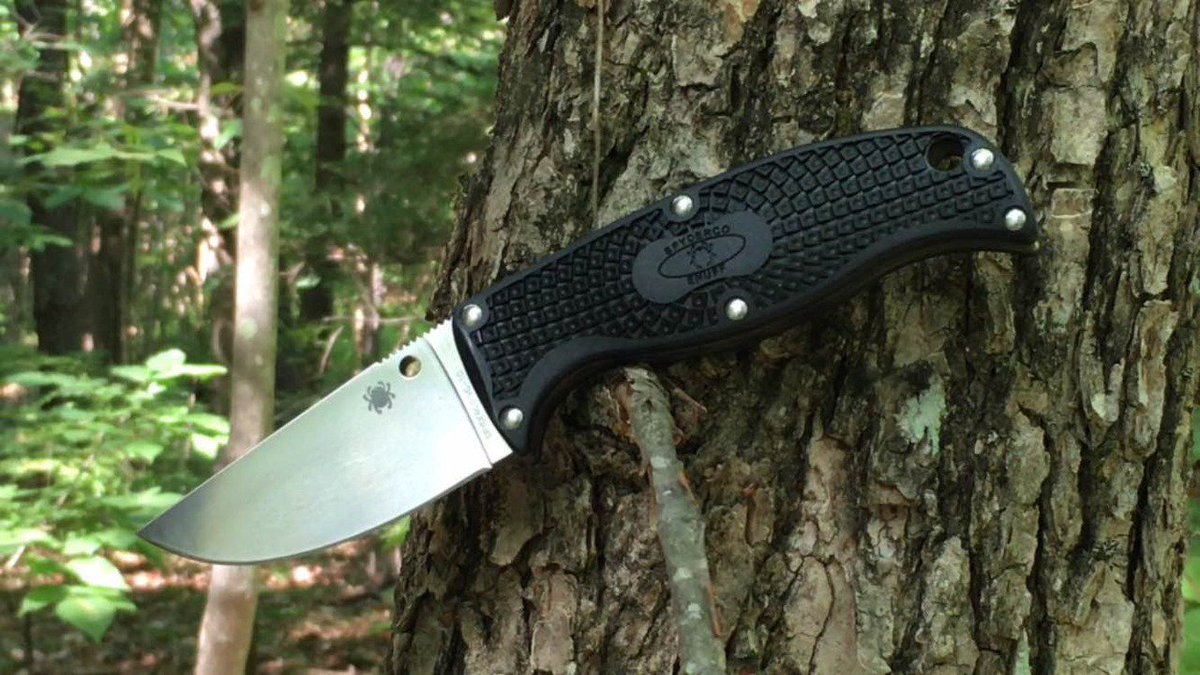 .@EverydayTactic1 reviews the compact and versatile @SpydercoKnives Enuff Fixed Blade. https://t.co/mRsZIqTEhv https://t.co/oTLdOAo3eE