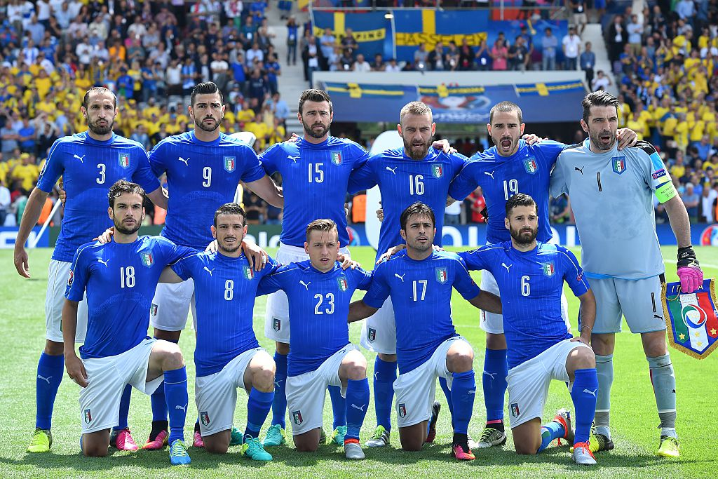 "ÉQUIPE D'ITALIE de football ""la Nazionale"" ""la squadra azzura"" - Page 3 Co3jsQaXgAASK-K"