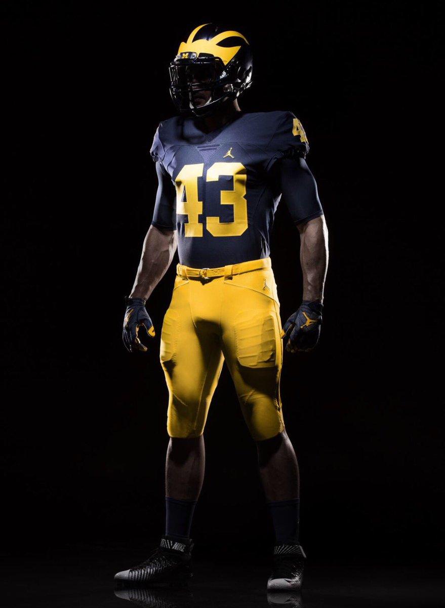 Official First Look At Michigan S New Jordan Uniforms