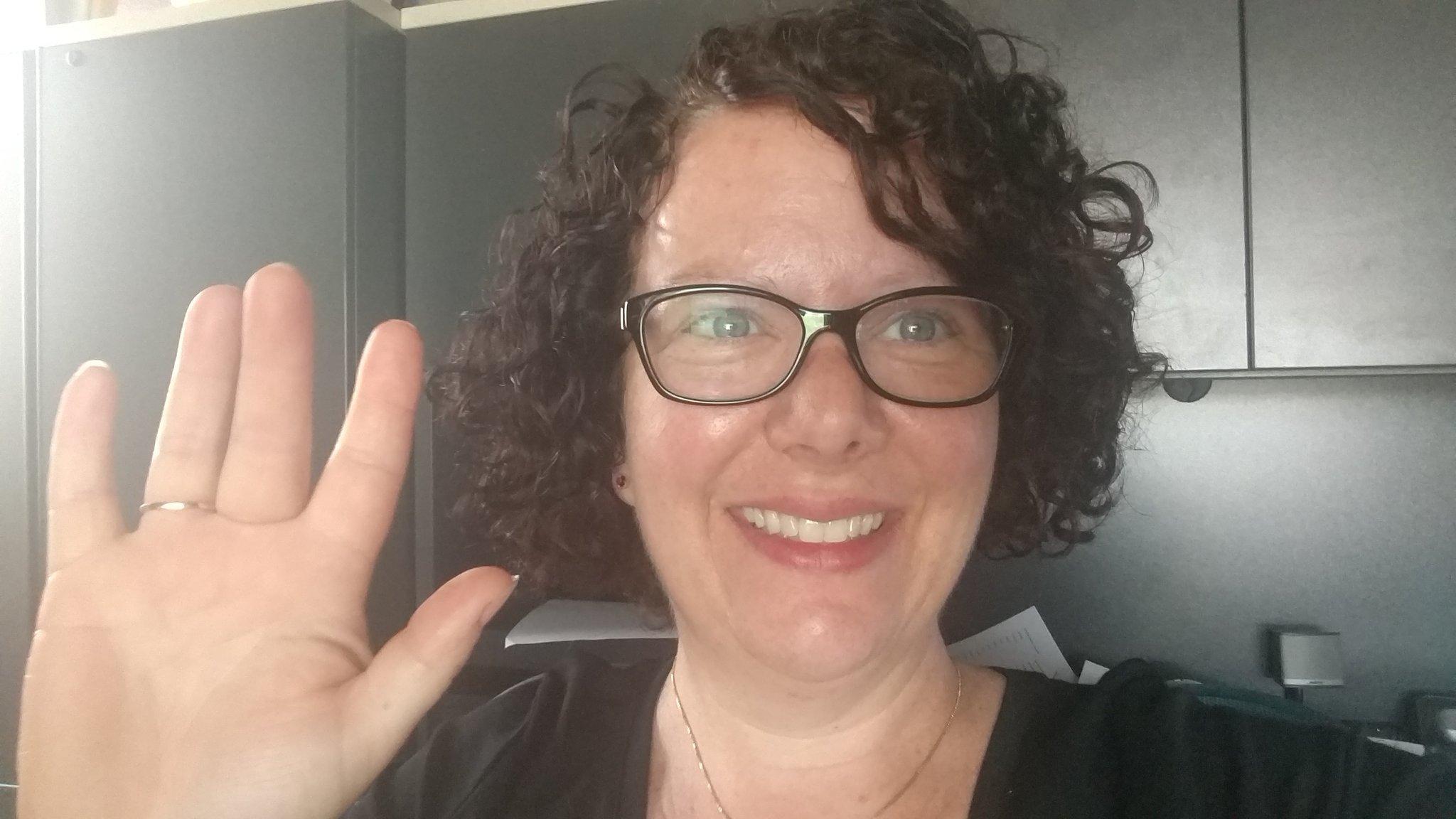 Me waving hello from my office in Phoenix!! #PRSAStLChat https://t.co/lVCefnpSA2