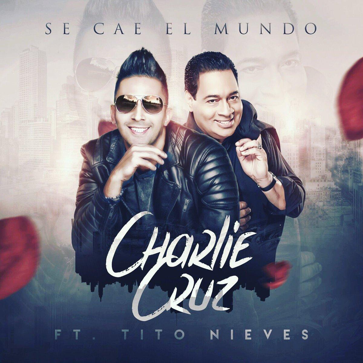 Se Cae El Mundo Charlie Cruz junto a Tito Nieves!!!! #Diosesbuenisimo https://t.co/POvMmeXFSI