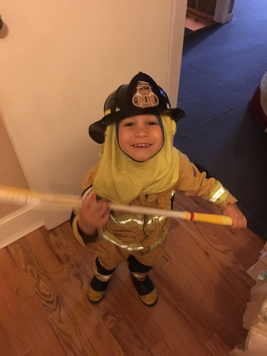 #Chief Russell is about safety with own fire hood #firefighter #safetyfirst #acceptRussell #LongIsland @News12LI<br>http://pic.twitter.com/9ost9tfrDT