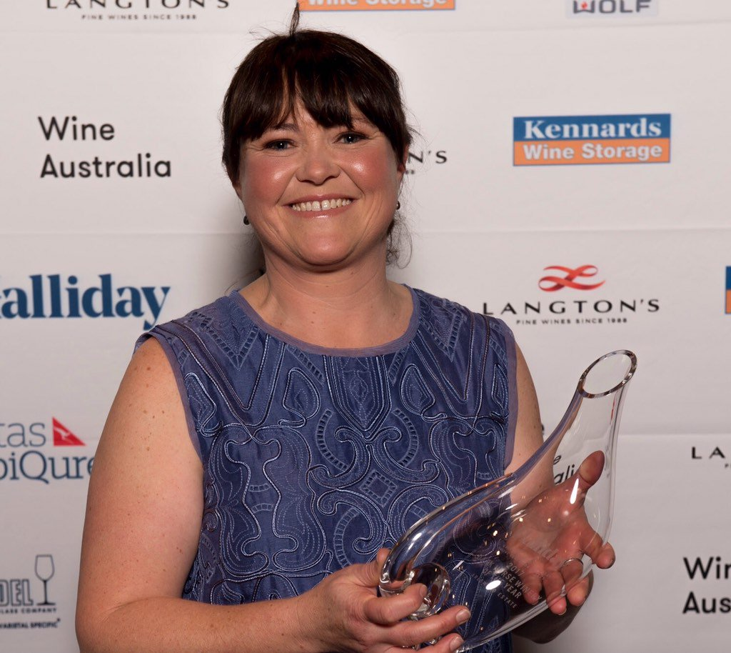 Congratulations to Sarah Crowe of @YarraYering - Winemaker of the Year. Sponsor: @subzerowolf #hallidayawards https://t.co/HKZ0HvlN1P