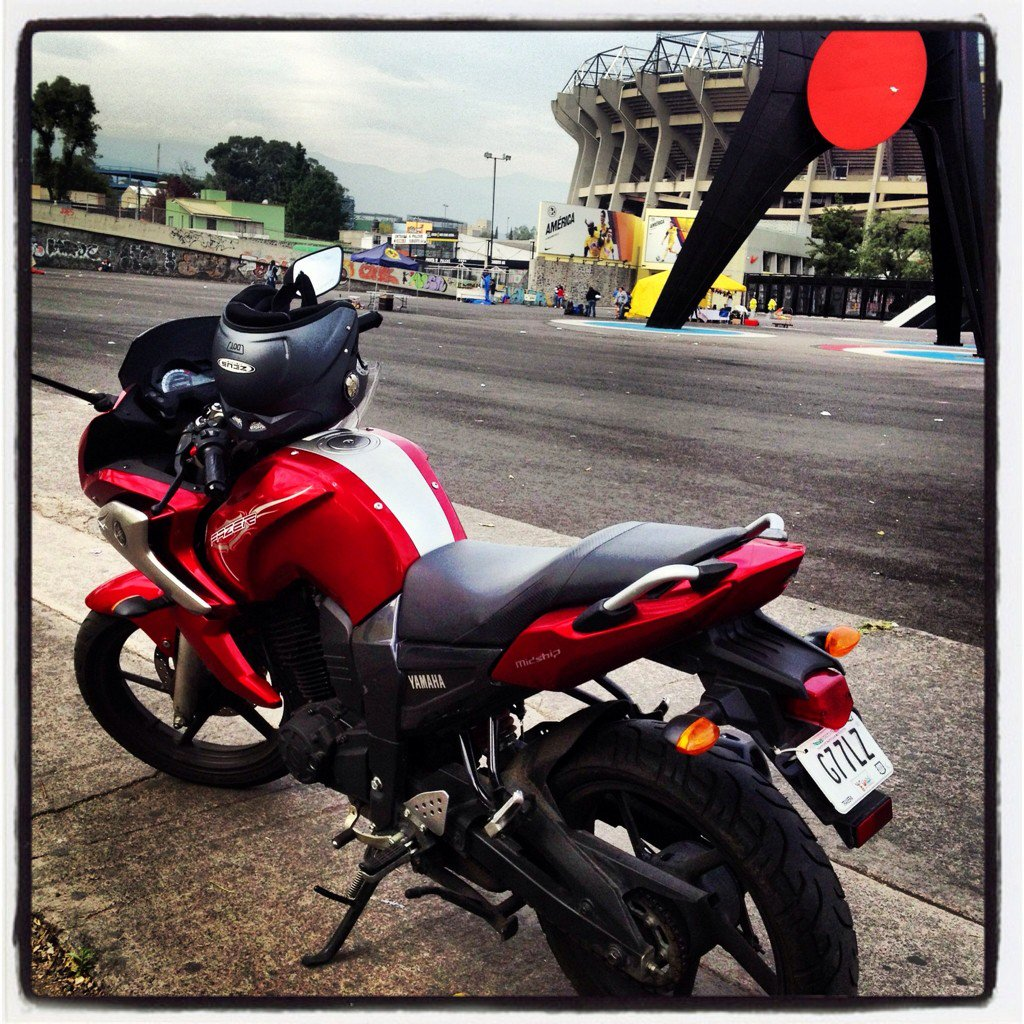 Por si alguien se la encuentra. Difundir por favor! #MotoRobada Yamaha fazer 16 Placas: G77LZ robada en el DF. RT https://t.co/fHpNj4utX2