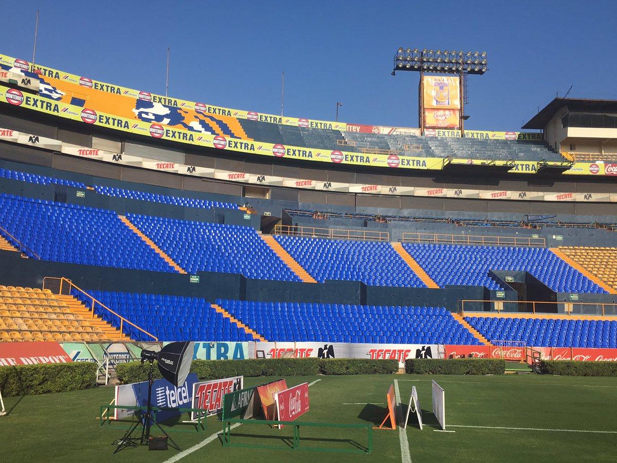 Ren on twitter as lucen las nuevas butacas del estadio for Puerta 9 estadio universitario