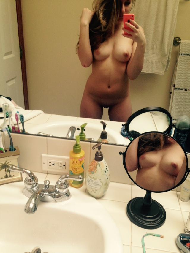 Nude Selfie 7577