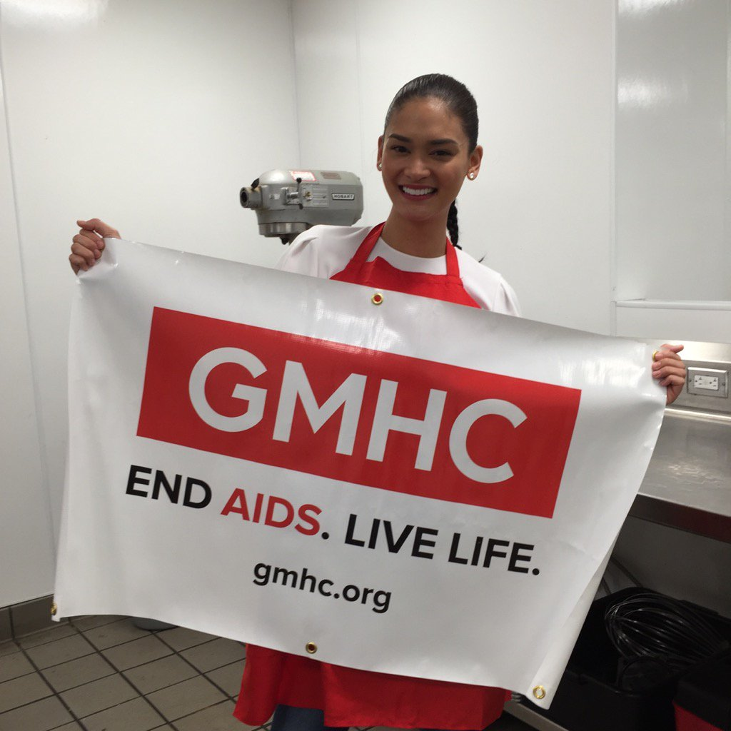 Our thanks to Pia Wurtzbach, @MissUniverse, for volunteering to serve meals to our clients living with HIV and AIDS. https://t.co/twGR922xu9