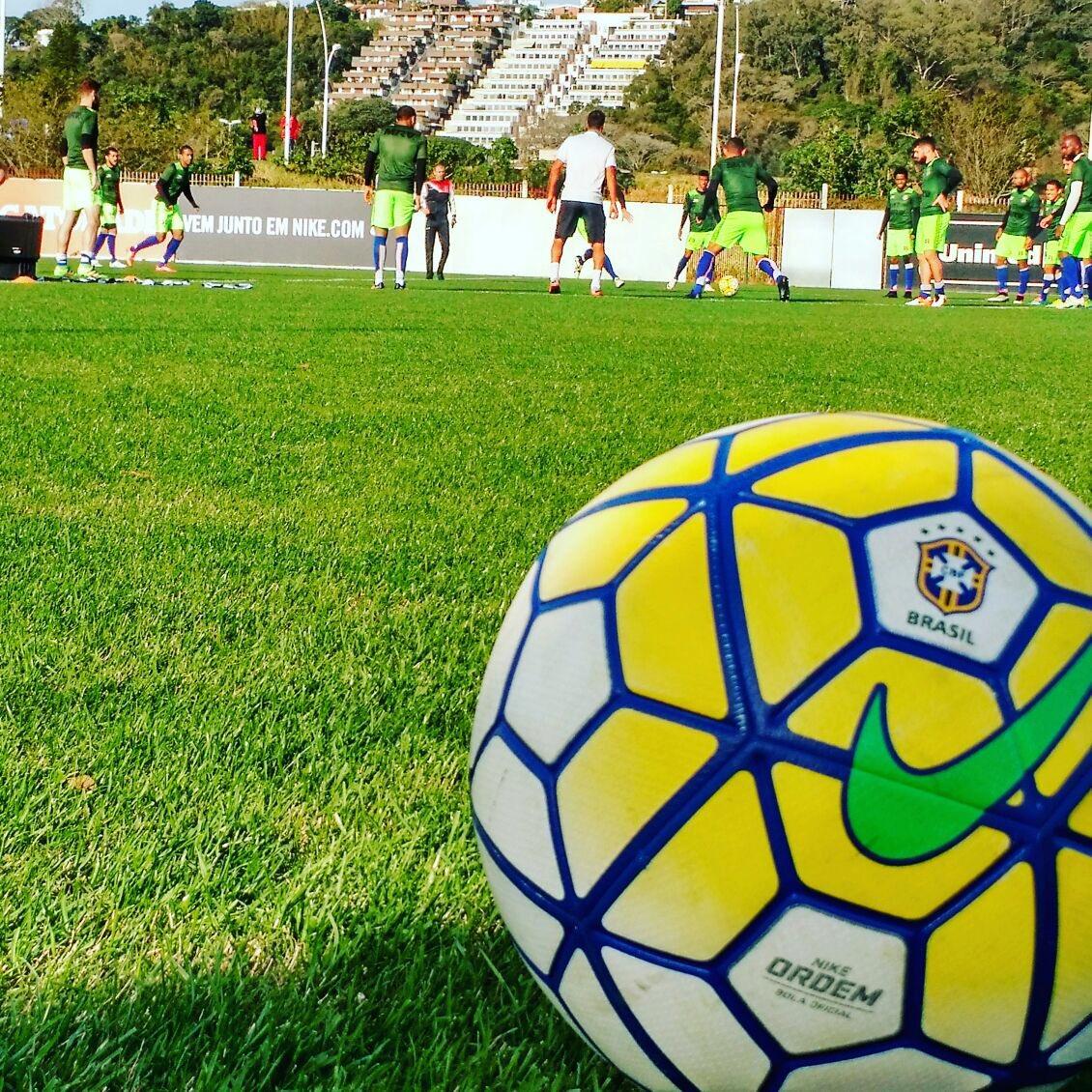 33c412944 Futebol e Cidadania com atletas do Sub-20. Matéria completa no site   https   t.co Khp4QaegKf