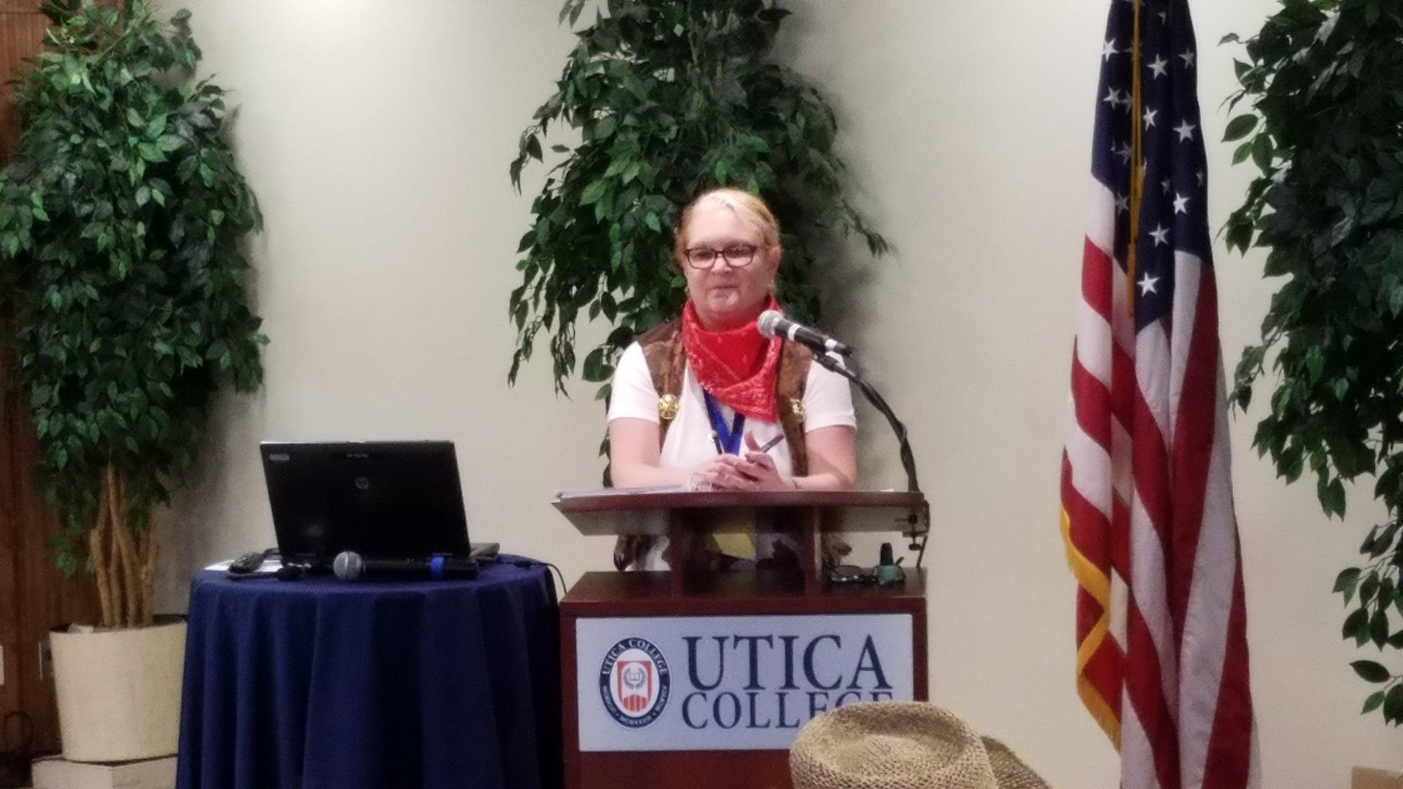 "@NYSPTA President Bonnie Russell. ""I'm not gonna talk a lot tonight"" #NYSPTASLC2016 https://t.co/cgLyH7Unr7"