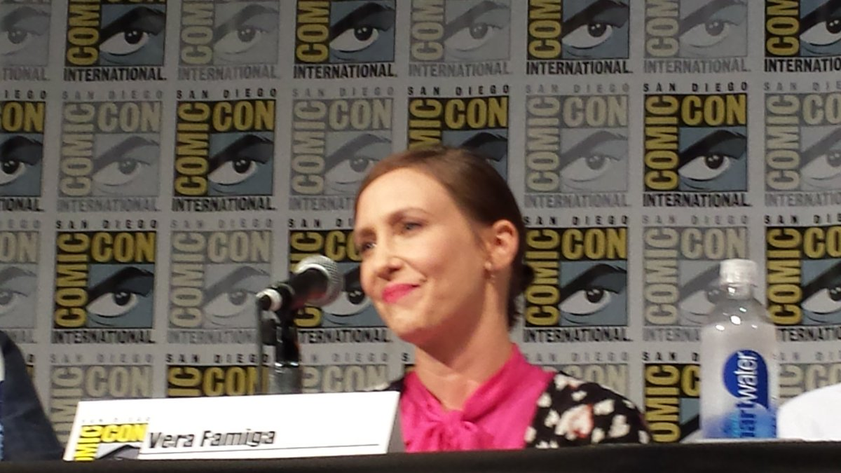 #VeraFarmiga got emotional during the #BatesMotel panel talking about Norma's death. #sdcc2016 #sdcc #ComicCon2016 https://t.co/OXsUseyJzI