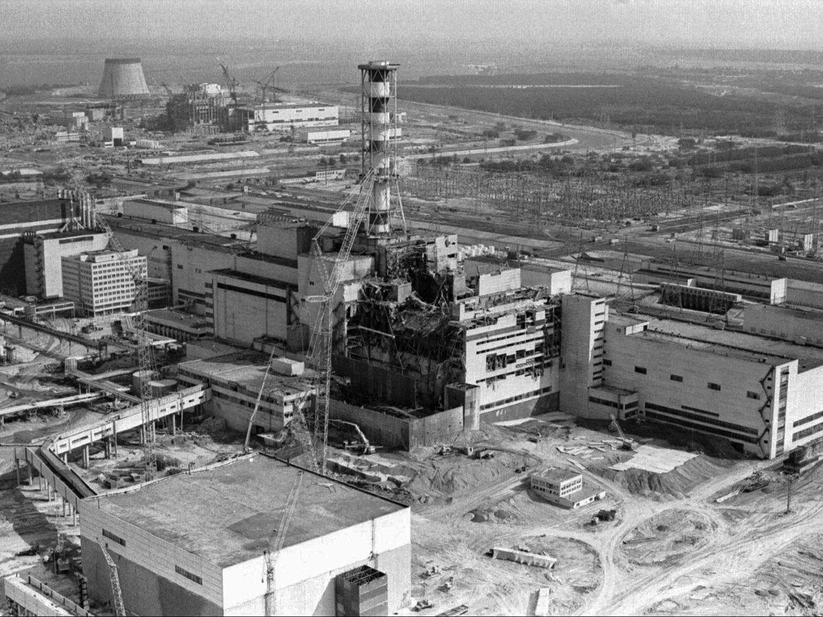 """Escuchando a las """"Voces de Chernóbil"""" https://t.co/7Jmi8MAWZ5 @elsalvavidasmx. """"Chernóbil tan solo acaba de empezar"""" https://t.co/xRhHTvJBIn"""