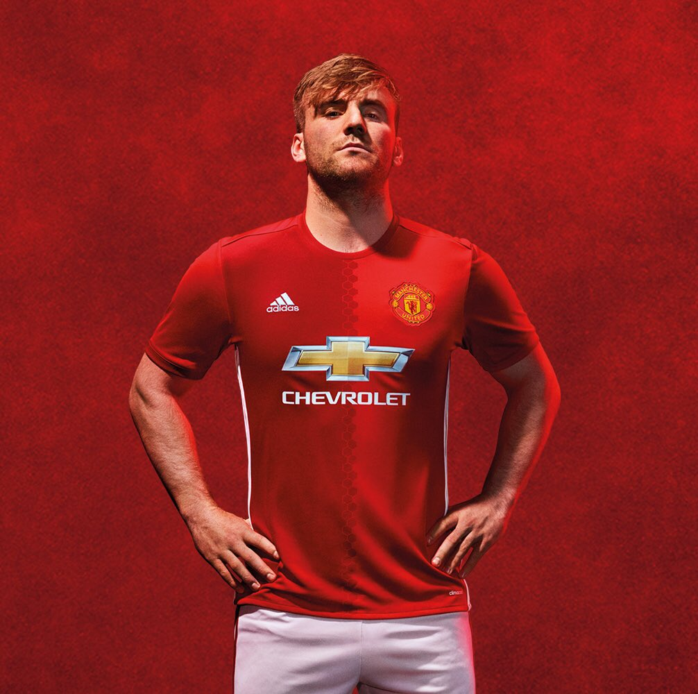 Manchester United: Luke Shaw (@LukeShaw23)