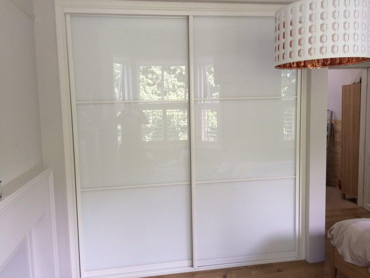 M2M Robe Sliding Doors White Aluminium Handle with White Glass #m2m # sliderobes #bedroom #madeintheuk #furniturepic.twitter.com/HrLA77iFq7 & sliderobes hashtag on Twitter
