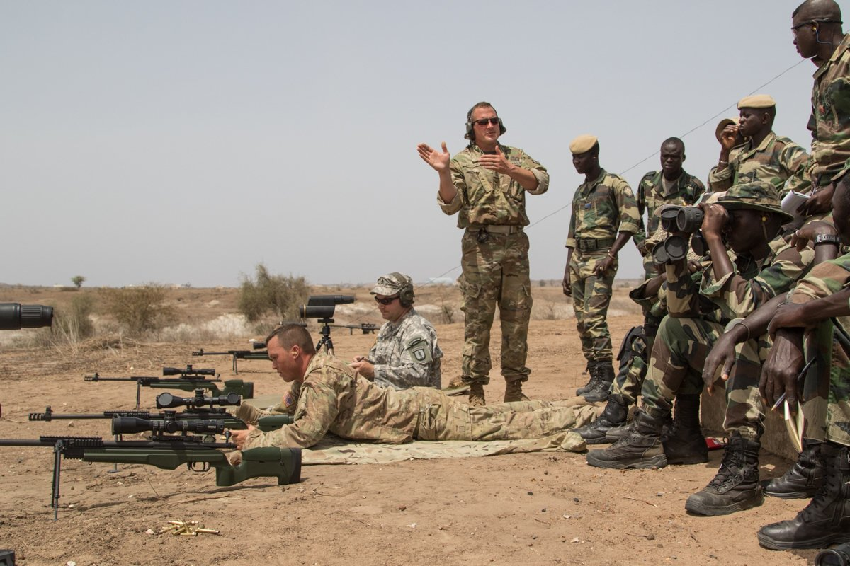 Vermont @NationalGuard troops share marksmanship techniques with Senegalese partners #AfricanReadinessTraining https://t.co/1ErW3G0Htx