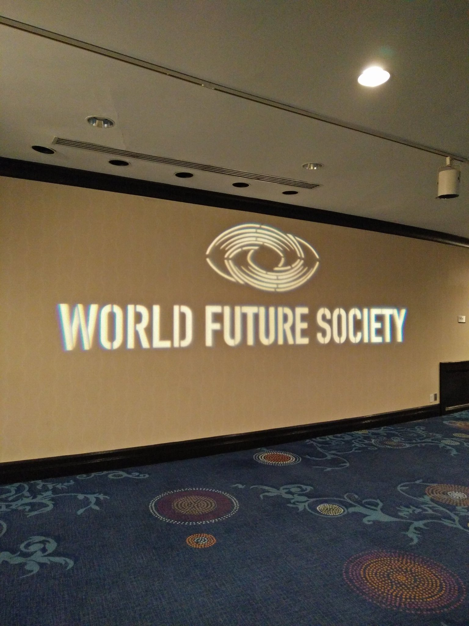Loving the conversations here at the World Future Society's 50th annual conference at Washington DC https://t.co/46zKEoAnNI