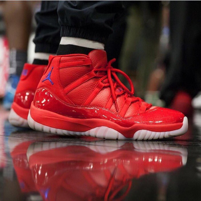 "@CP3 rocking his PE ""Clippers"" Jordan XI"