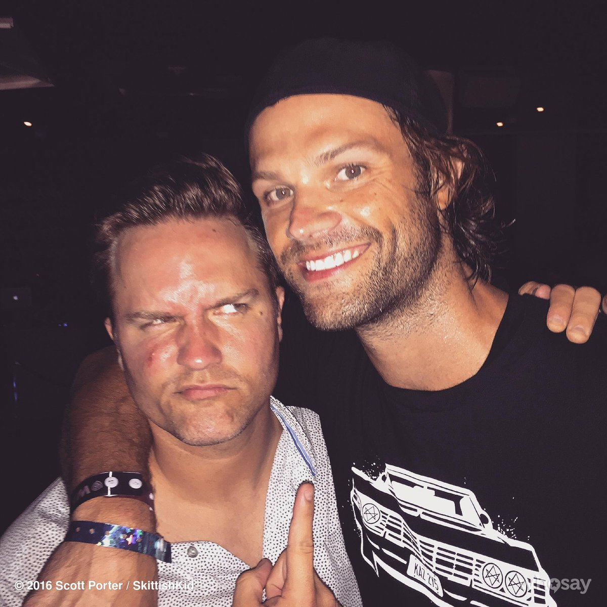 You always run into good friends at #ComicCon parties...or you run into @jarpad. #SDCC2016 https://t.co/TWXGRYE5ak