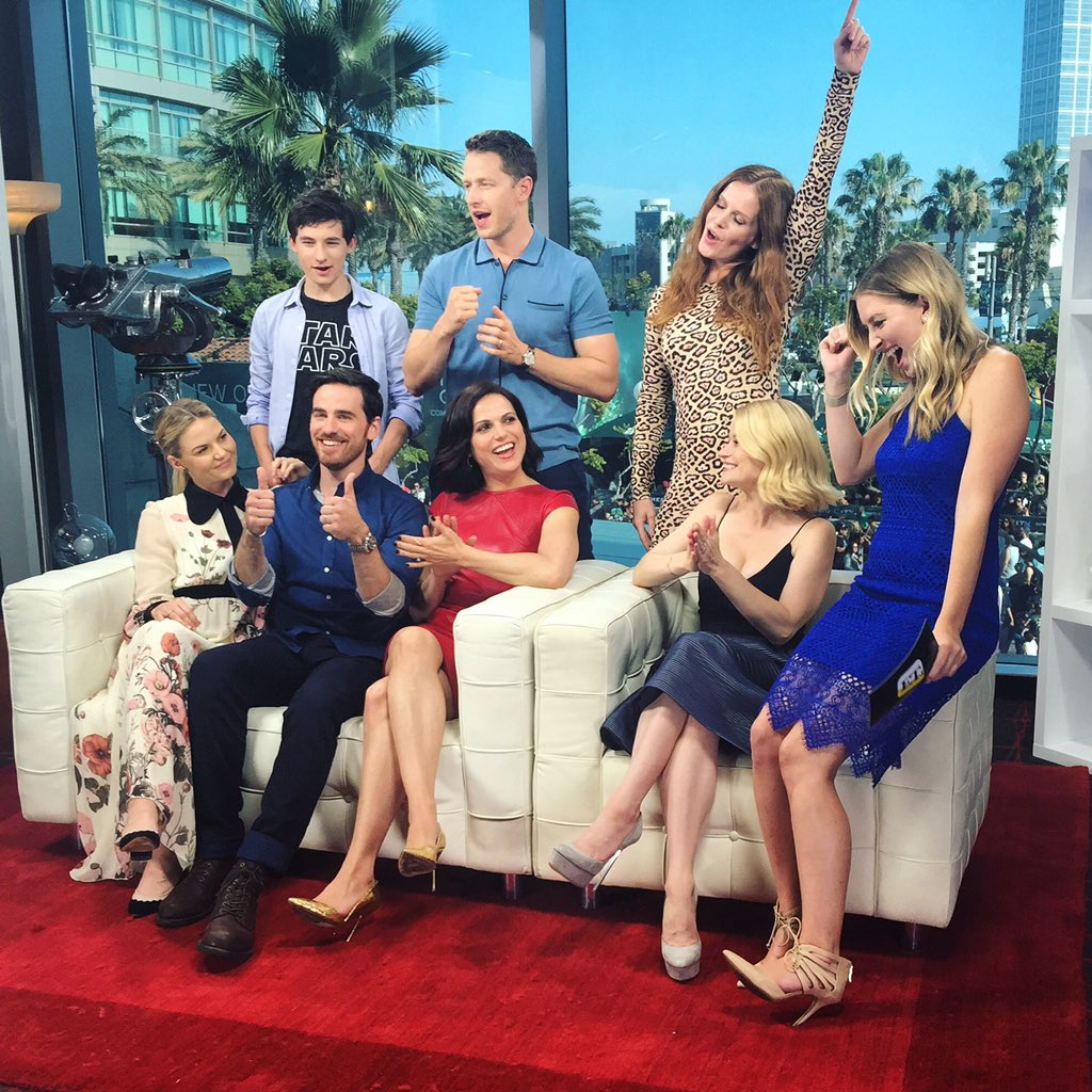 When your very last interview at 2016 #ComicCon is with your favorite cast... #OnceUponATime https://t.co/DqrRdQpbA8 https://t.co/TjJWWdeKqq