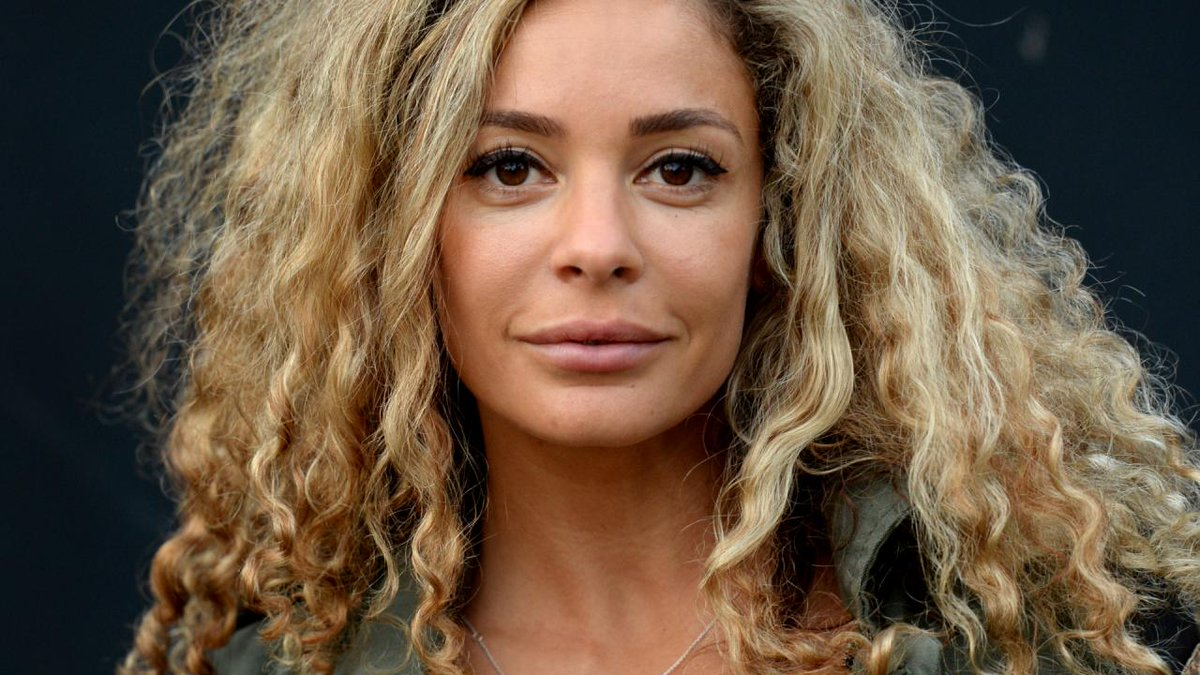 Fajah Lourens Nude Photos 17