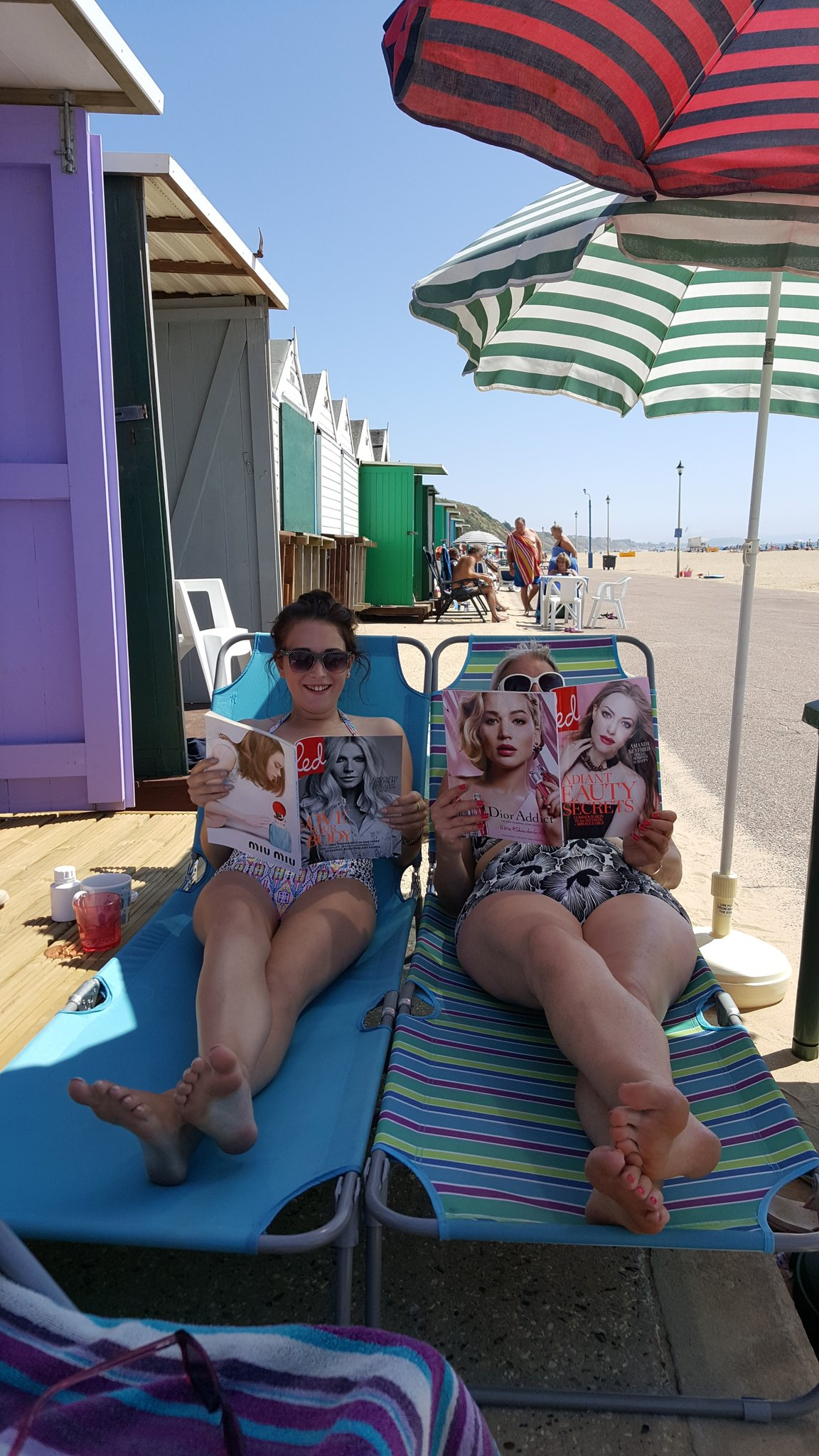 RT @vicjewellery: @RedMagDaily perfect read on bournemouth beach today x https://t.co/op3hjn4smg
