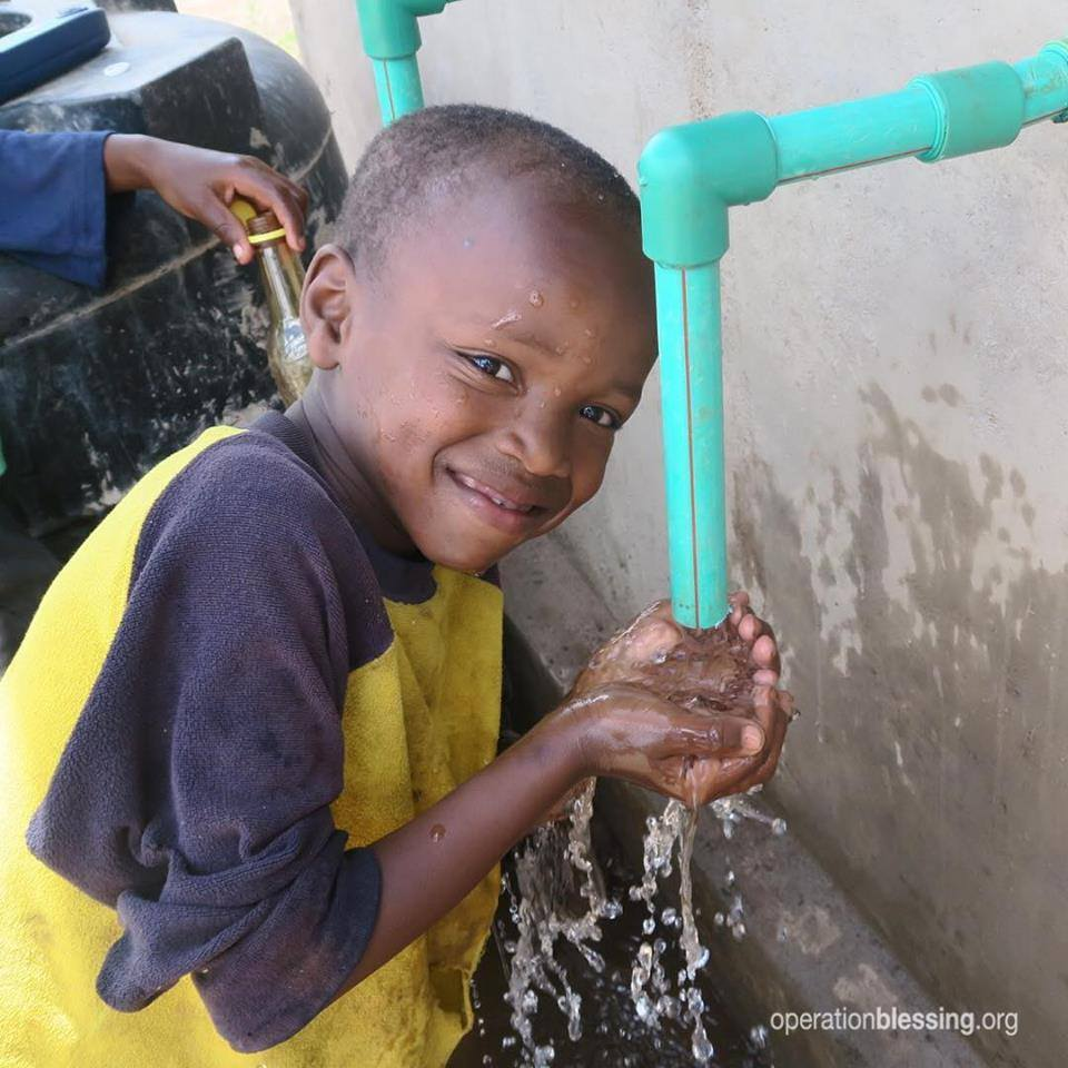 Isaac now has safe water to drink. But too many don't! RT if you think everyone deserves #safewater to drink! #Kenya https://t.co/HYoh1DEXMG