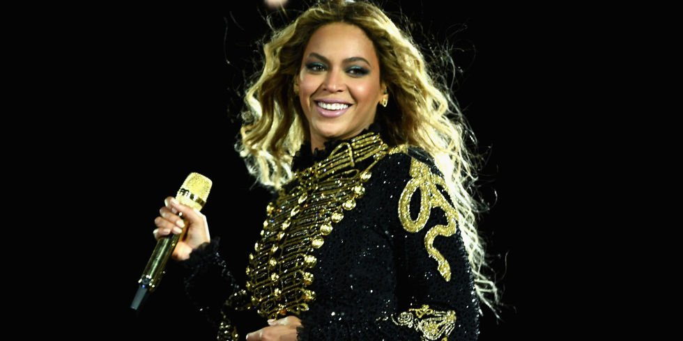 """Beyoncé Fires Back at Man Who Said She Stole Idea for """"Lemonade"""" From Him https://t.co/Z8uETot5OY https://t.co/sUmtnqsU9d"""