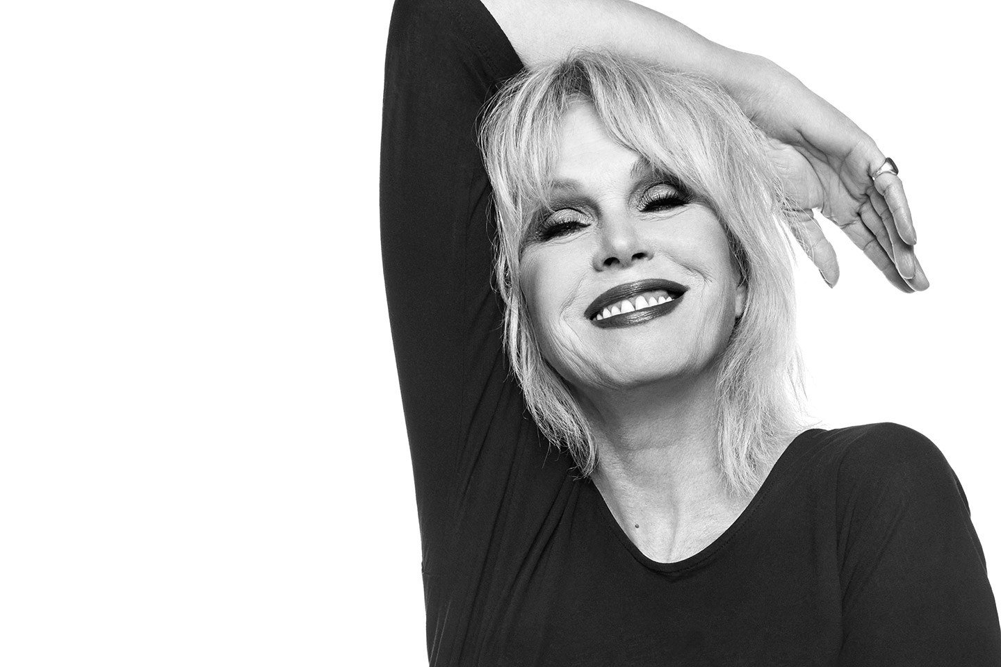 Joanna Lumley explains why the #AbFabMovie had to happen after 20 years https://t.co/yoVycGX0jB https://t.co/PdyzXCNKmJ