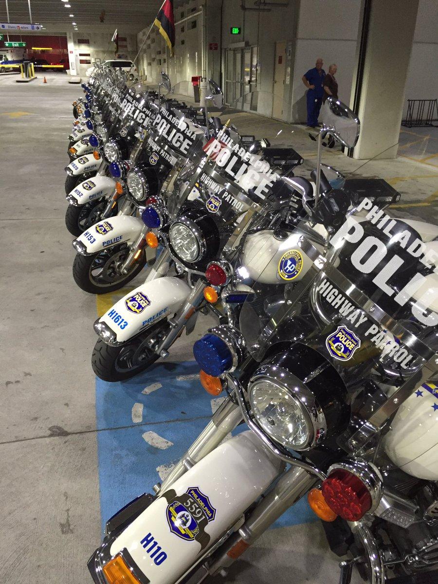 @PhillyPolice Highway Patrol preparing to escort fallen @PhillyFireDept Ladder 20 Member to ME's Office. partners