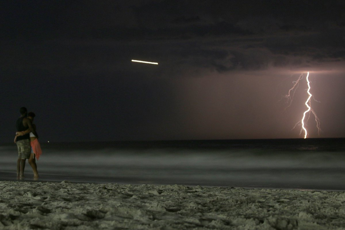 Wow! Lightning strikes over the Atlantic Ocean tonight from Long Beach. (: @maximusupinNYc)