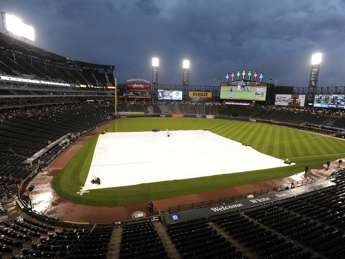Tigers-White Sox game suspended at 3-3 after 8 innings due to rain; will resume at 2:10 p.m. Sunday