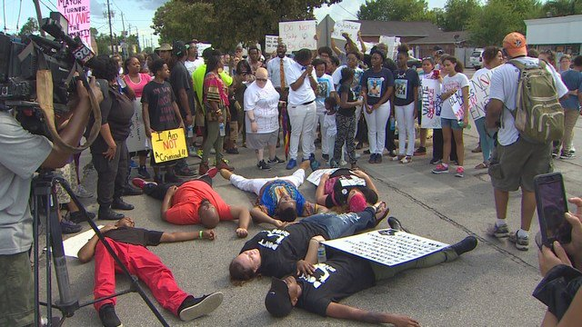 Protesters march for man shot by Houston police